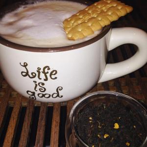 Creme Earl Grey Princess: Organic Sri Lankan Black Tea blended with bergamot oil & French vanilla