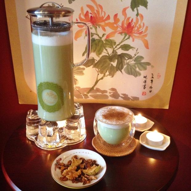 Featured: Harmony Infuser & Romance Glass Tea Warmer